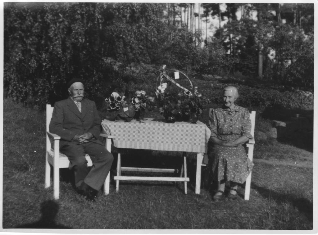 Karl and Karolina Lindros.