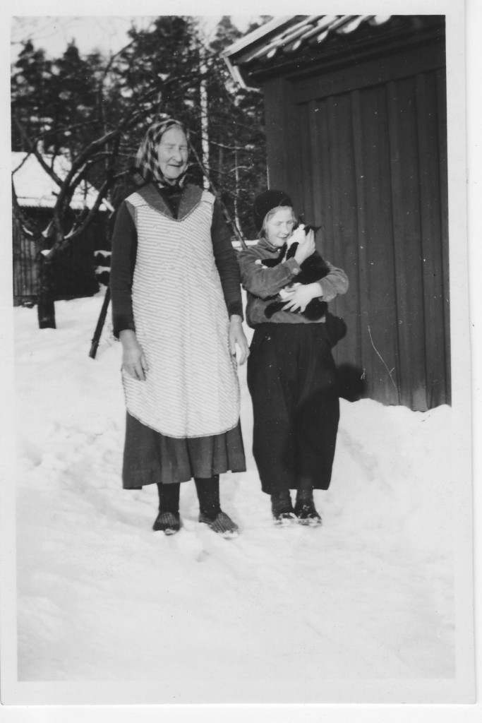 Karolina Lindros with granddaughter Birgit, January 1939. Two years after Karolina lost her son in San Francisco.