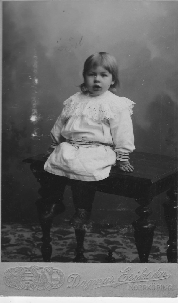 Ebba Lindros, picture taken in Söderköping, Sweden around 1904-05. These are the only pictures we have of Ebba, who died from TB in 1908, only 5 years old.